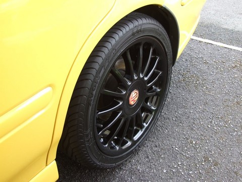 A clean and shiney wheel.